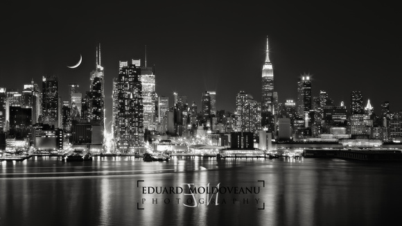 New York City skyline at 42nd street - b&w